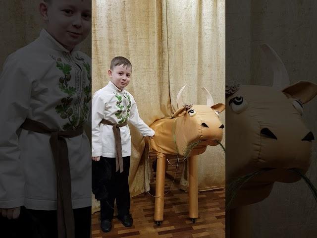Изображение предпросмотра прочтения – НиколайСенякин читает произведение «Как старик корову продавал» С.В.Михалкова