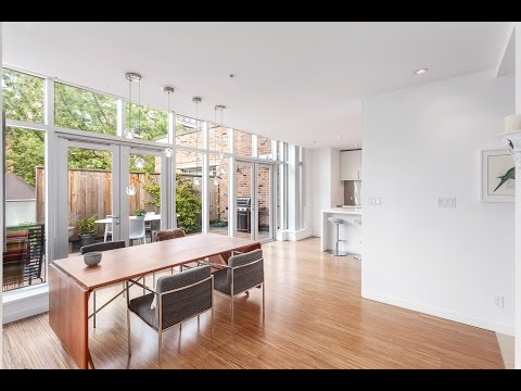 modern-sub-penthouse-vancouver,-36-water-street,-gastown,-loft-style
