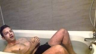 How to take an ICE Bath - Uncut - Tim Ferriss - The 4 Hour Body