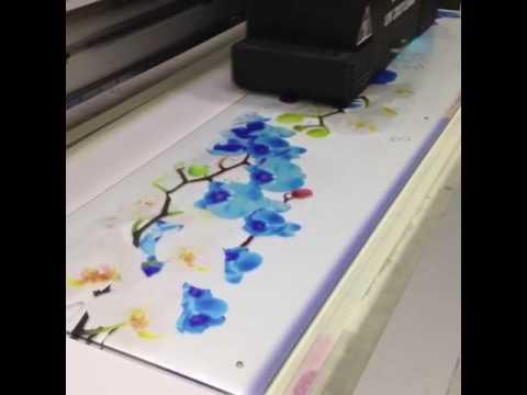 Уф-печать на стекле в г. Кемерово (фартук голубые орхидеи)
