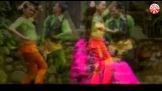 Nada Soraya - Lepaskan [Official Music Video]