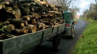 Zetor Super 50  na dřevě