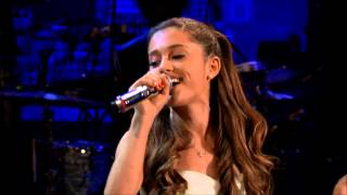 Repeat youtube video Selena Gomez vs Ariana Grande (Live Battle)