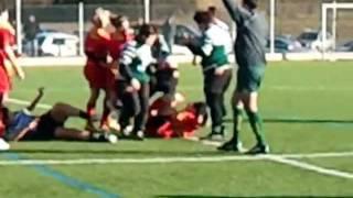 ca claque chez les filles bagarre generale  rugby feminin Salindres