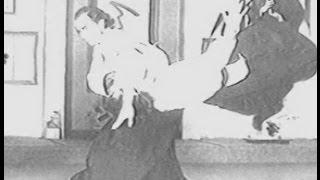 武道 合気道 師範時代のスティーブンセガール この皆さんは受身をとって...