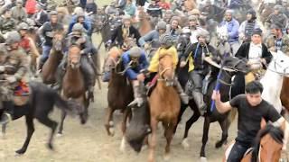 Таджикистан, Наврузи, Скачка лошадей, Бузкаши