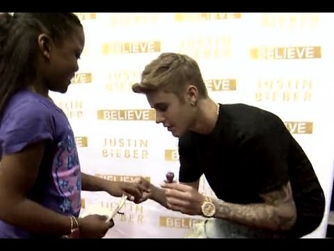 Justin Bieber Meets an 8 year-old Fan (2013)