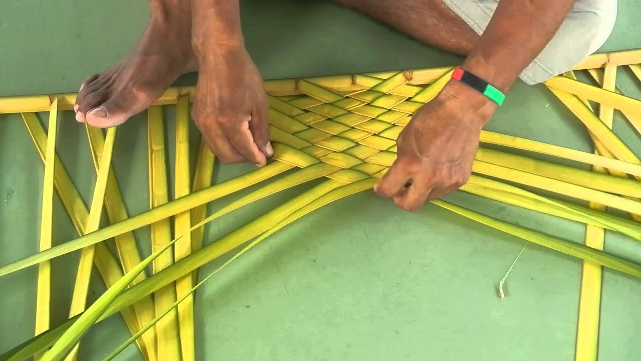 how to make a cross out of palm fronds