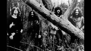Black Sabbath - Into The Void (Lyrics)