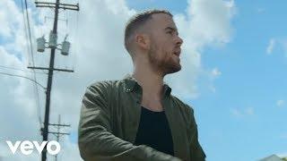 Video Maverick Sabre – Walk Into The Sun