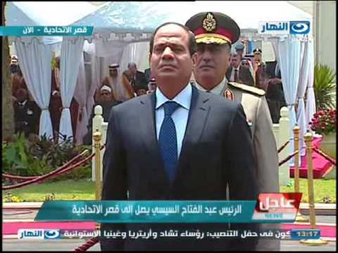 #موعد_مع_الرئيس | لحظة تفقد الرئيس عبد الفتاح السيسى حرس الشرف وإطلاق 21 طلقة لتحيتة