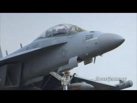Powerful Boeing EA-18G Growler Touch n' Go Landings @ KPAE Paine Field