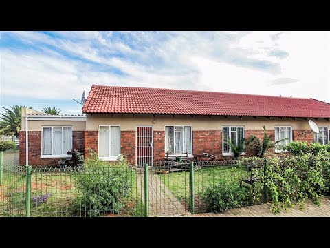 3 Bedroom Townhouse for sale in Free State | Bloemfontein | Pellissier | T158728