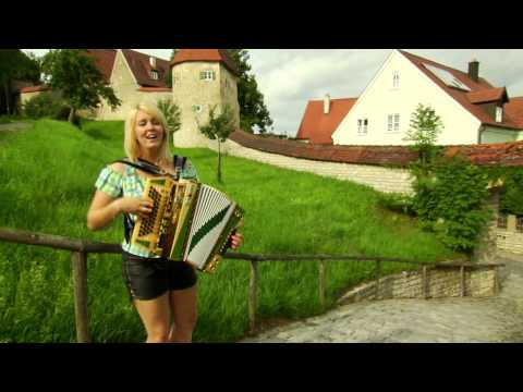 Alexandra Schmied - Happy Sommerzeit