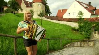 Repeat youtube video Alexandra Schmied - Happy Sommerzeit