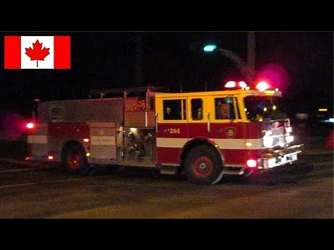 Pointe-Claire | Montréal Firefighters Run to Respond to Fire Alarm Call While Collecting Donations