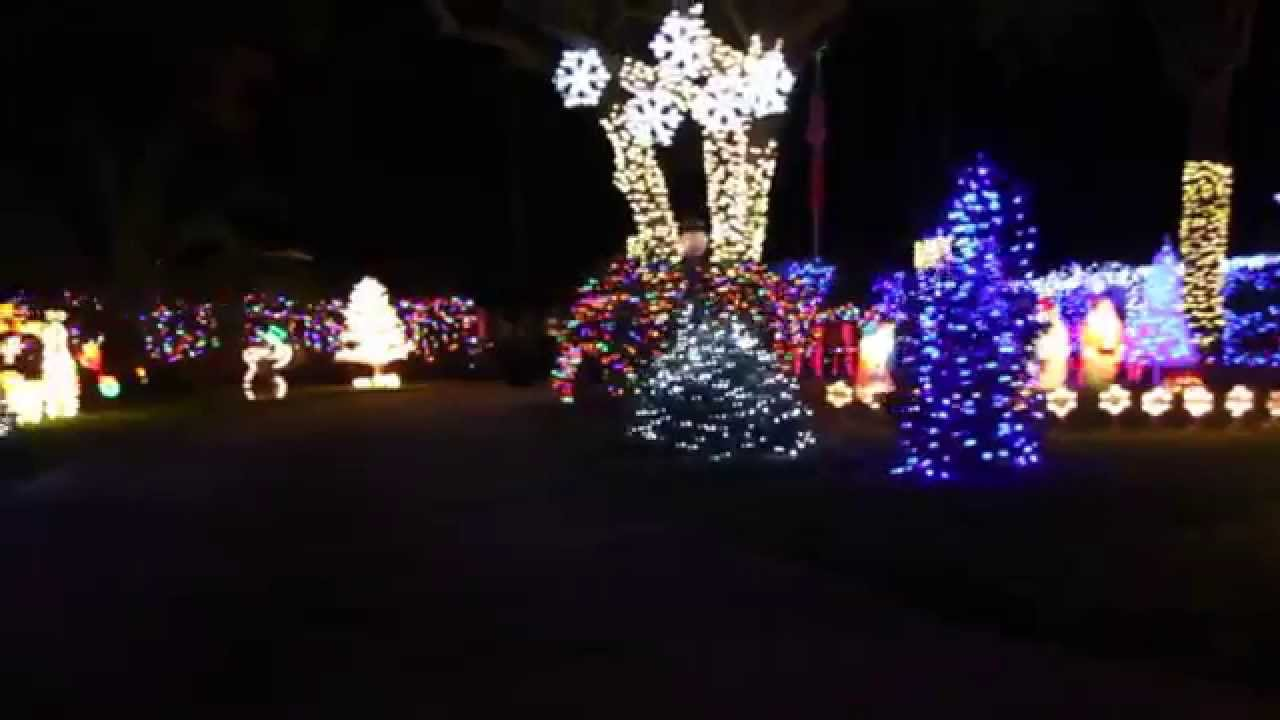 Addobbi Natalizi Youtube.Addobbi Case Americane Per Il Natale 2012 Youtube