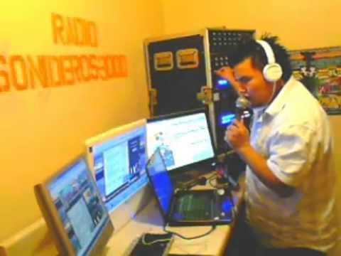sonido discomovilamistadlatina  radio sonideros3000  en  mic