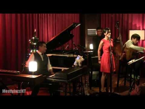 Eva Celia - Amazing Grace @ Mostly Jazz 21/12/13 [HD]