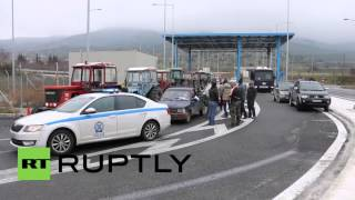 Greece: 1000s of tractors block roads as farmers protest against reforms