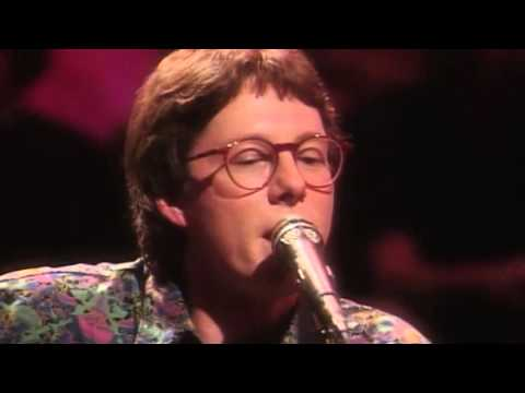 R.E.M. - Love is All Around (MTV Unplugged 1991) HD
