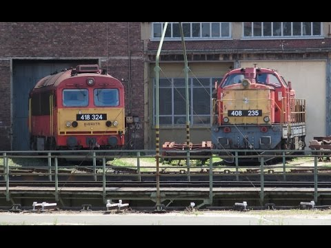Hungary: Depot turntable in action at Szekesfehervar depot with MAV class 408, 418 and 628 locos