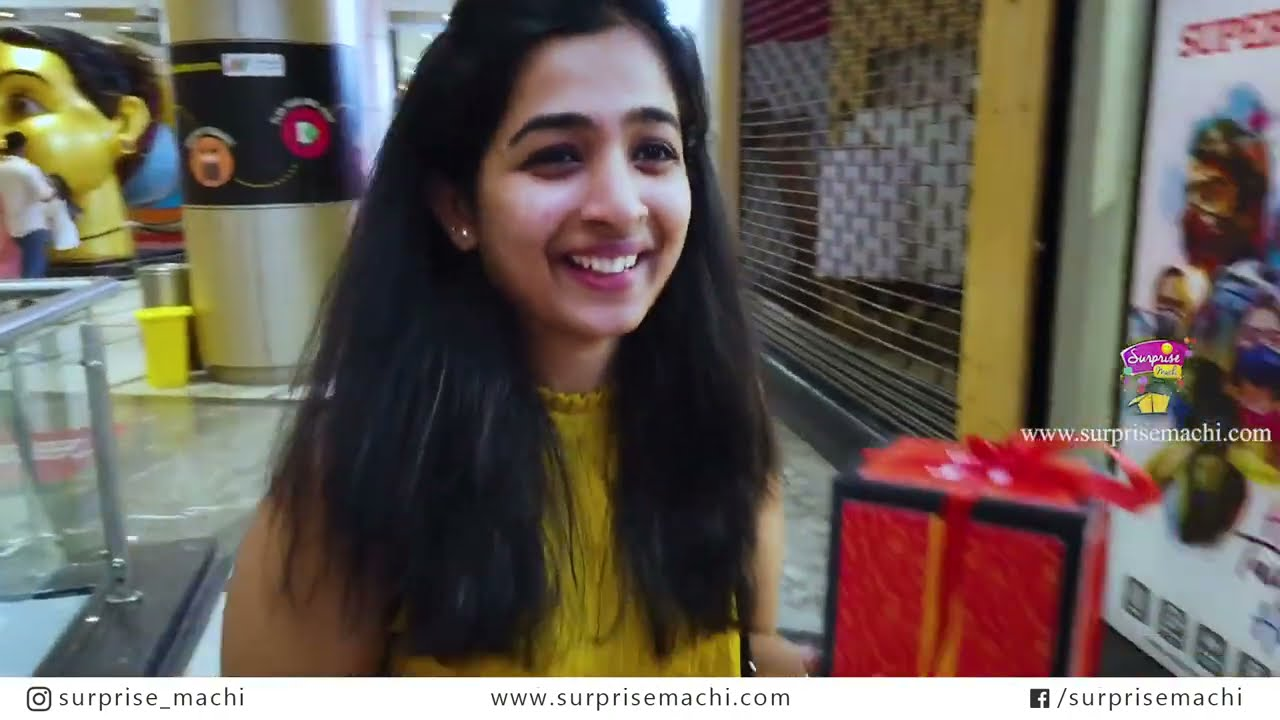 Gifts from stangers | Chennai Mall | Surprise gifts | Surprise Machi