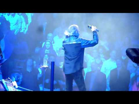 """Neil Diamond """"Song Sung Blue"""" (Live from St Louis, MO at 50th Anniversary Tour 04-12-2017)"""