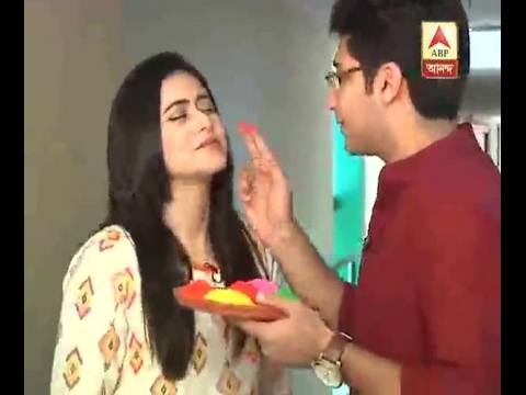 Dev celebrates Dol festival with Rukshini, Gaurav and Riddhima