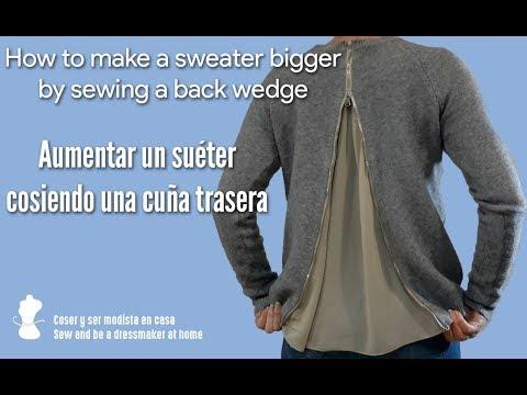 Cómo hacer un suéter más grande cosiendo una cuña trasera