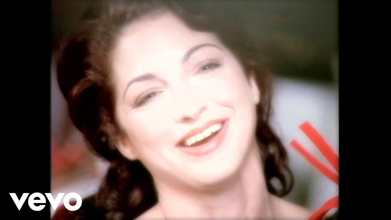 Gloria Estefan - This Christmas - YouTube