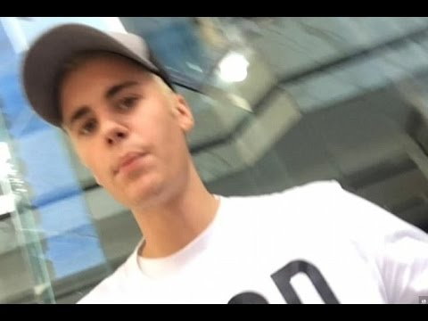 Justin Bieber Gives Fans His Phone Number