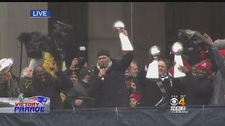 "Patriots Super Bowl Parade: Brady Addresses Crowd, Others Chant ""James White"""
