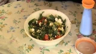 Lor Peynirli Domates Salatası tarifi