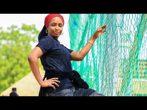 Download Umar M shareef (Idan Kika Barni Zan Rasa Rayuwa) Latest Hausa Song Original video 2021#.
