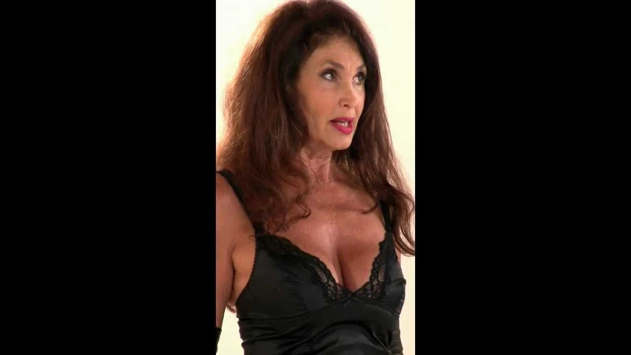 Cabaret all hot scenes richa chadda gulshan devaiah - 5 7
