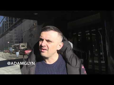 Gary Vaynerchuk gives business advice on the streets of NY