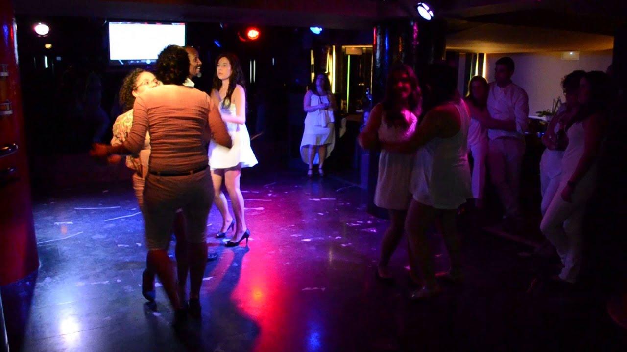 Chicas bailando en ropa interior - 2 1