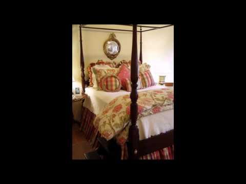20 Elegant Antique Bedroom Decorating Ideas
