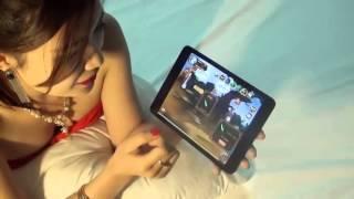 hot girl hướng dẫn chơi game trên giường
