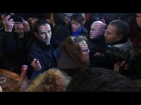 Resultados parciais indicam Valls e Hamon