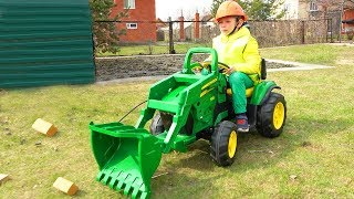 Super Lev buy New mini Traktor - Excavator! Funny baby Unboxing and Ride on Power wheel Tractor