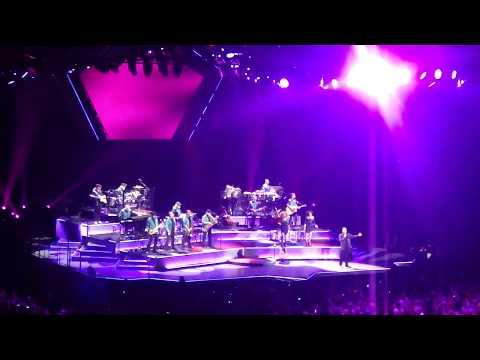 Neil Diamond - Sweet Caroline - Valley View Casino Center 8-8-2017 aka San Diego Sports Arena