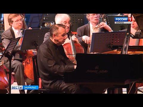 Михаил Плетнёв и Российский национальный оркестр сыграли Чайковского в оригиналь