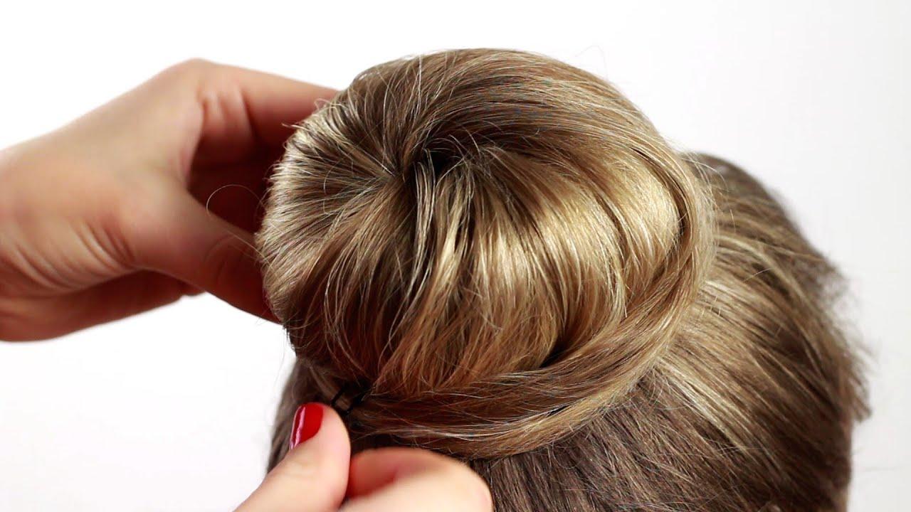 Как сделать прическу с бубликом на средние волосы