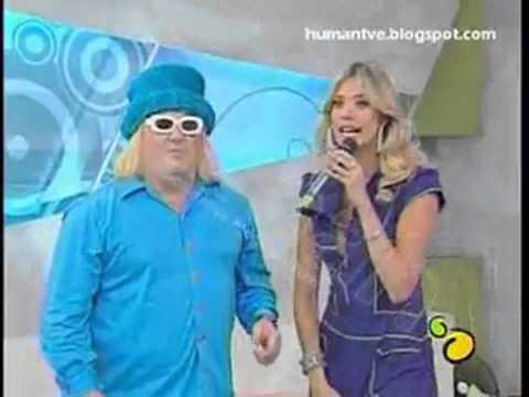 Upskirt Laura Huarcayo   Lima Limon   Calzon Blanco   En Vivo thumbnail
