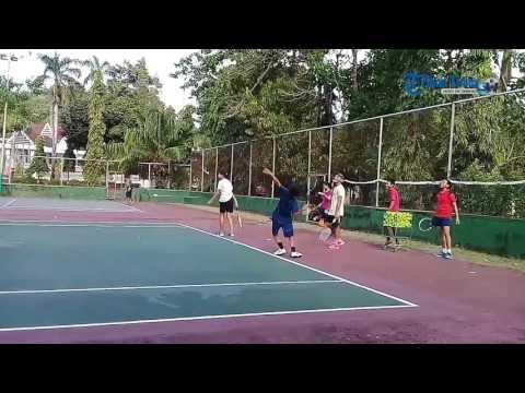 Tim Tennis Praporda Wajo Intens Latihan di Lapangan Amanagappa