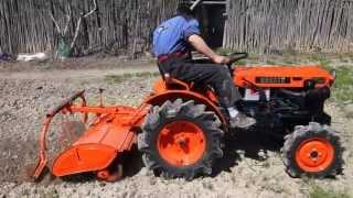 Mini tractor Kubota B7000 con rotovator