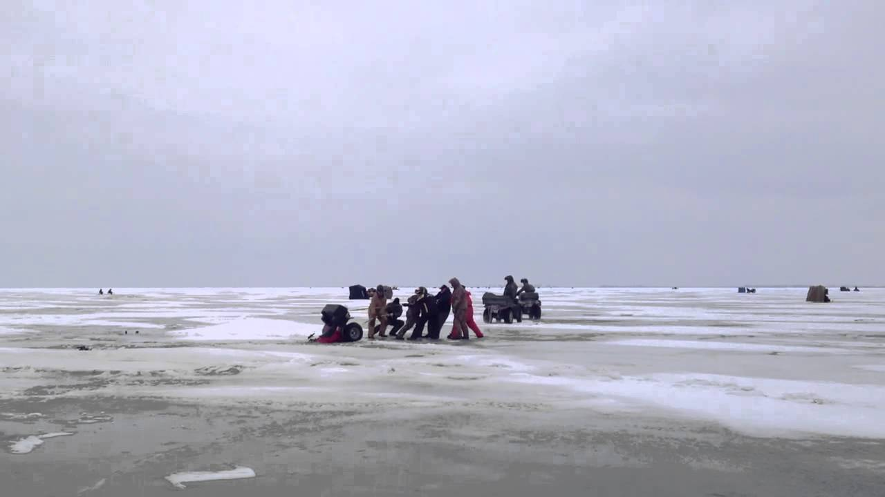 Mnr four wheeler pulled out of ice on lake st clair youtube for Lake st clair ice fishing