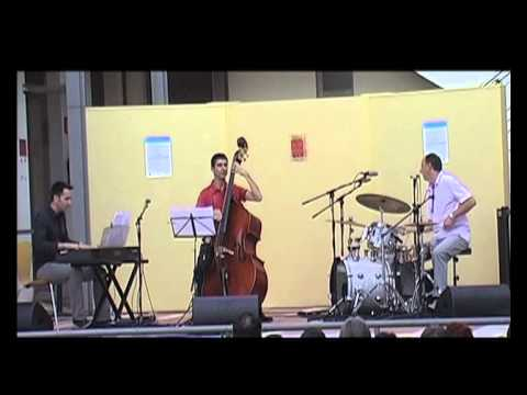 Julia - Adrian Carrio Trio